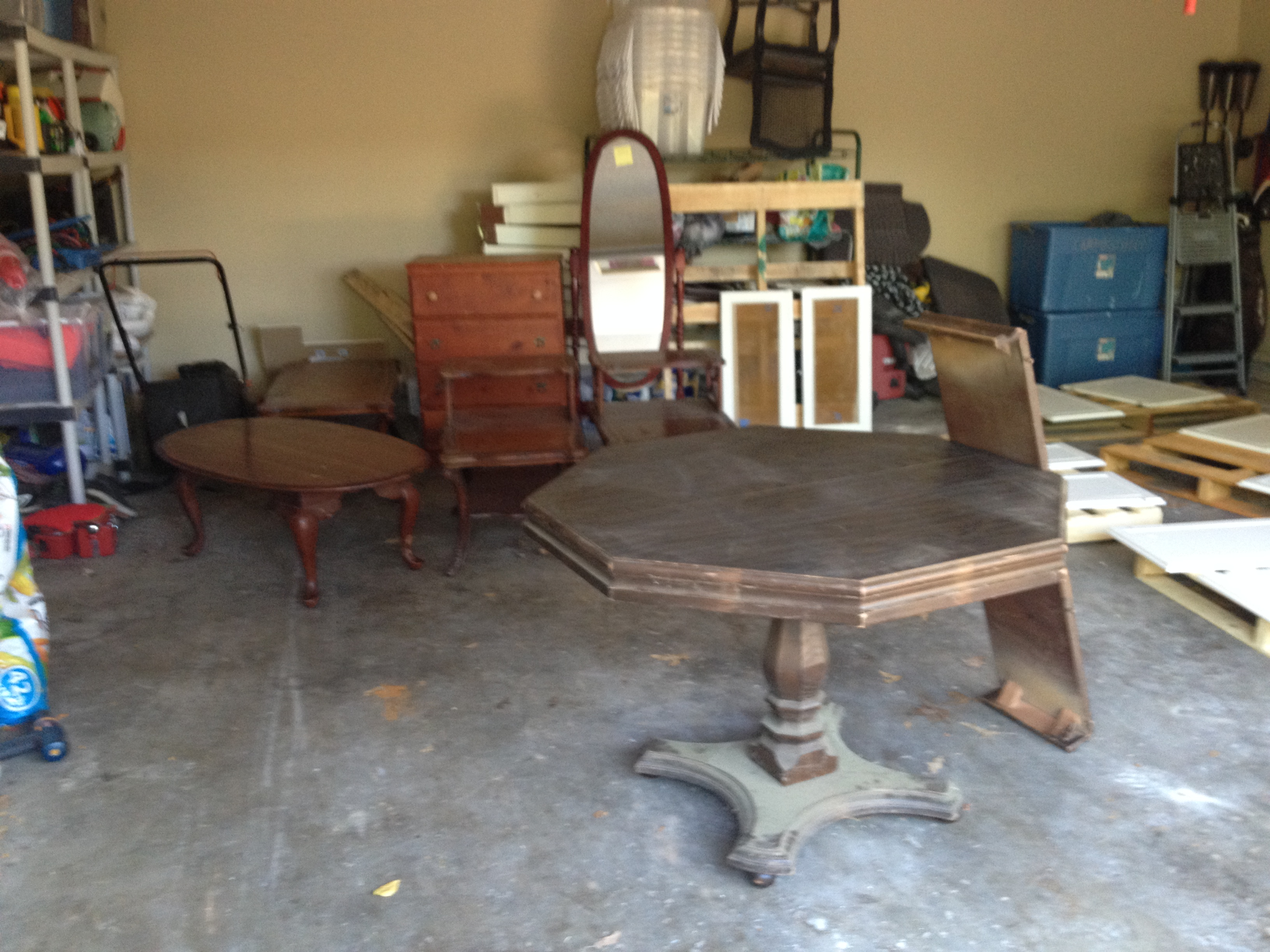 how to find great garage sale furniture all things new interiors